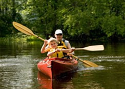 Canoë et Kayac pour découvrir la vallée autrement.